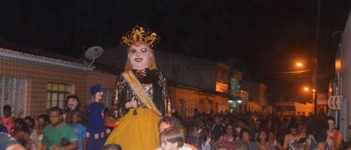 Boneca Raquel comemorou 58 anos de vida com desfile pelas ruas de Penedo