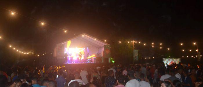 Samba Verão recebe oito atrações e vai até o amanhecer na Prainha Nova de Penedo