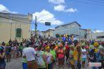 Milhares de foliões saem às ruas de Penedo para acompanhar o desfile do Ovo da Madrugada