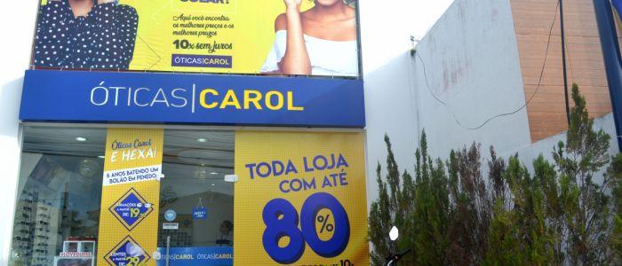 """Filial das """"Óticas Carol"""" concede descontos incríveis em lentes e armações durante agosto em Penedo"""