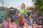 Desfile da boneca Sulamita agita dias de Carnaval de foliões em Penedo