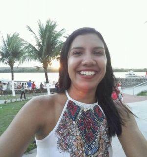 Locutora Jó Alcides festeja aniversário nesta terça-feira (22)