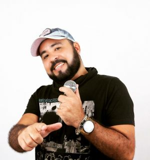 Dan Souza festeja aniversário nesta quarta-feira (20)