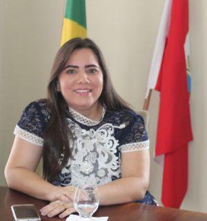 Aliny Costa festeja idade nova nesta segunda-feira (30) em Penedo