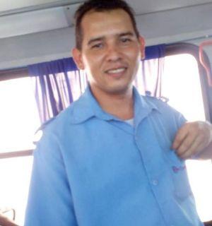 Com muita educação e simpatia, cobrador de ônibus de Penedo tem atuação destacada nas redes sociais