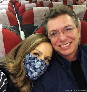 Ana Furtado tem apoio de Boninho em 5° sessão de quimio: 'Supercompanheiro'