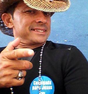 Vaqueiro Luiz Mumbaça é o festejado desta segunda (13)