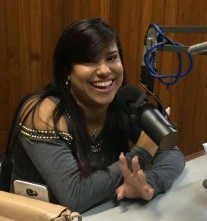 Sabrina Lobo visita Penedo FM e fala sobre projeto para ser integrante da Matruz com Leite