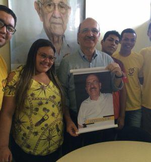 Ronaldo Lopes é homenageado por integrantes da Fanfarra Fênix de Penedo