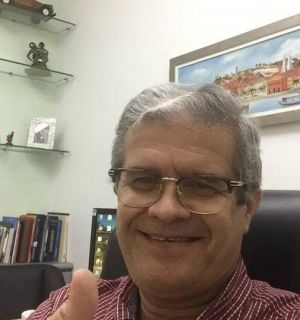 Dr. Milton Machado festejou idade nova com amigos e familiares