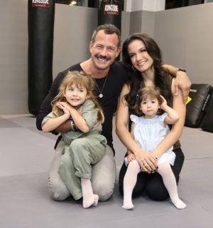 Malvino Salvador mostra as filhas Kyara e Ayra lutando jiu-jitsu: 'Princesas'