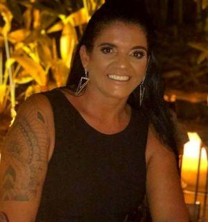 Adriana Belo é só alegria nesta segunda, 26 de novembro, por festejar idade nova