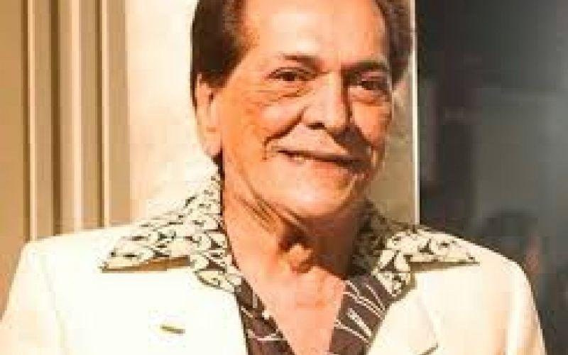Parentes, amigos e fãs se despedem no Rio do ator Lúcio Mauro
