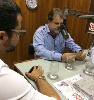 Urologista Antônio Jatobá visita Penedo FM e fala sobre doenças e exames do sistema urinário