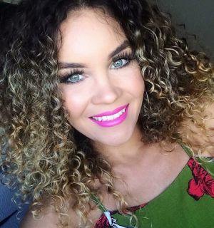 Roberta Feitosa festeja mais uma primavera nesta quarta, 07 de agosto