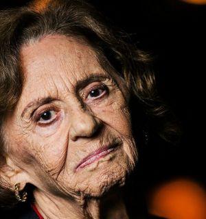 """Aos 91 anos, Laura Cardoso afirma: """"Nunca que quero me aposentar e fazer tricô"""""""