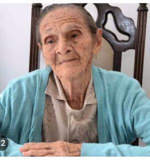 Dona Rosa chega aos 102 anos de vida recebendo o carinho de seus familiares