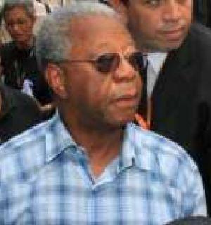 Ator Milton Gonçalves é internado no Rio de Janeiro