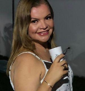 Rita Barreto comemora idade nova nesta quarta-feira, 18