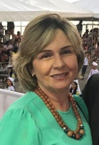 Fátima Lopes é a festejada desta sexta-feira, 3 de abril