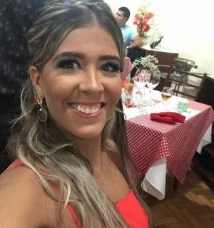 Ao lado da família, Janice Cabral festejou idade nova em Penedo