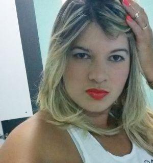 Empresária penedense, Fafá Bastos, comemora idade nova nesta quarta, 13 de maio