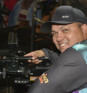 Fotógrafo Ricardo recebe felicitações por mais um ano de vida