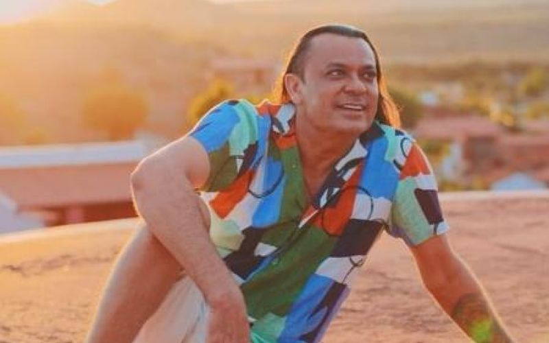 Frank Aguiar muda o nome artístico para Luz Aguiar, por motivo espiritual