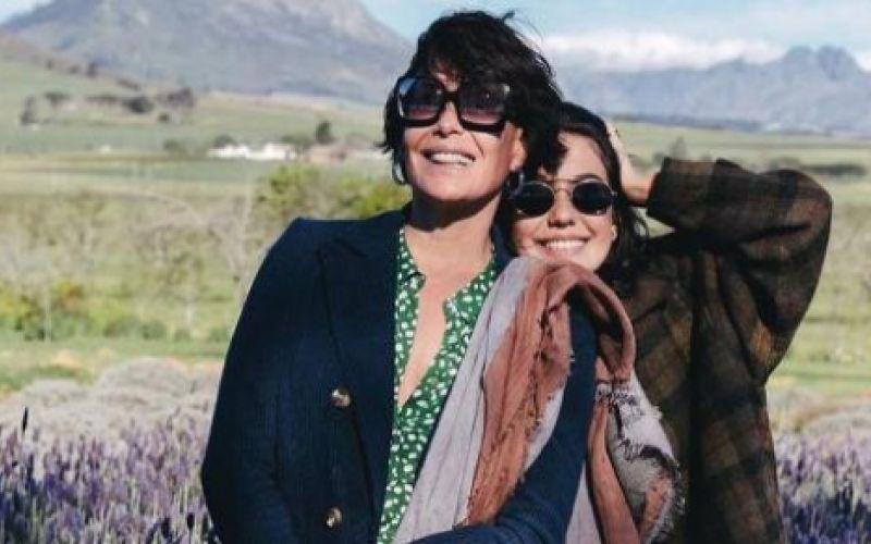 Filha de Carolina Ferraz volta ao Brasil e vira sócia da mãe