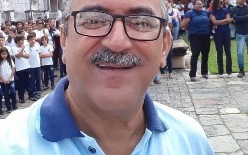 Professor Valdi Fernando é o festejado desta segunda, 2