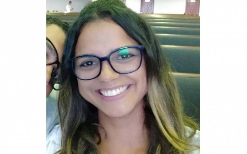Katy Almeida festeja mais uma primavera neste 13 de setembro
