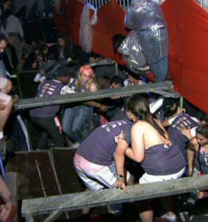 Ivete Sangalo manda mensagem às vítimas do camarote que desabou