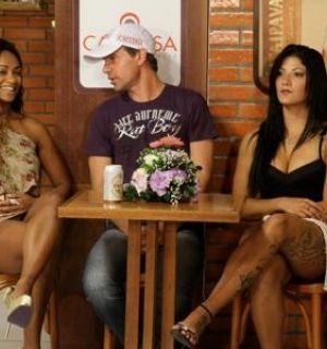 Ex BBBs e jogador participam de gravação do 'Samba de Primeira'
