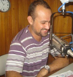 Feira Gastronômica do Penedo deixa professor Rafael Arruda orgulhoso