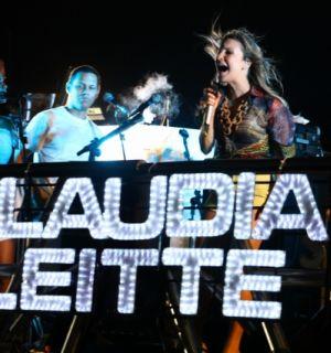 Cláudia Leitte animou cerca de 5 mil foliões do Carnabral no Ceará