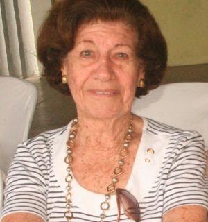 Dona Maria Lopes completa idade nova neste domingo, 25