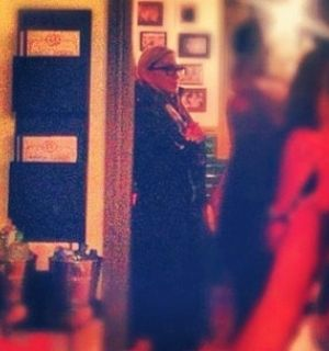 Em dia de folga, Madonna vai com o namorado a restaurante carioca