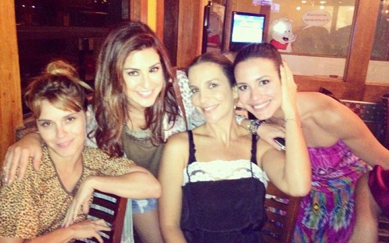 Ivete Sangalo janta com Dieckmann, Fernanda Paes Leme e Juliana Knust