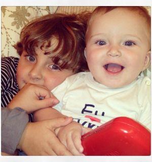 Cantora Cláudia Leitte posta foto dos filhos e se declara