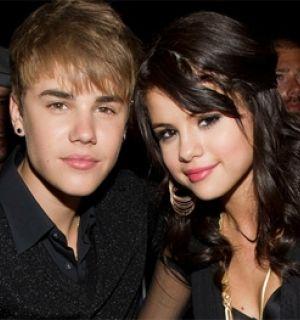 Justin Bieber e Selena Gomez podem ser os novos jurados do American Idol