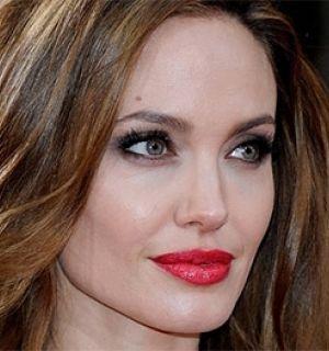 Após a mastectomia, Angelina Jolie também vai retirar os ovários