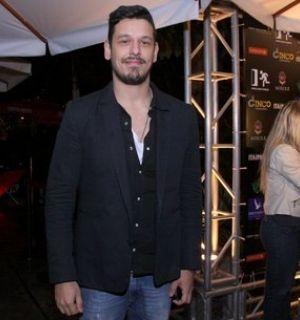 João Vicente de Castro declara amor por Sabrina Sato