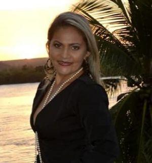 Cerimonialista Andreia Cruz é a aniversariante desta segunda, 11