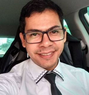 Advogado Claumadson dos Anjos comemora aniversário em Penedo