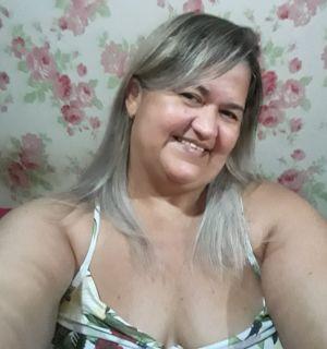 Lucila Galvão festeja aniversário nesta quinta (29) em Penedo