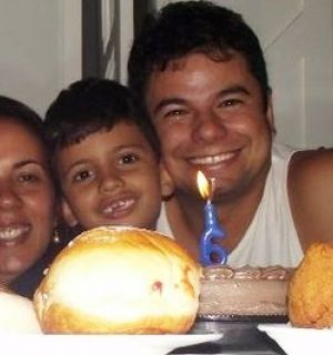 Rafael Medeiros completou idade nova neste domingo, 06