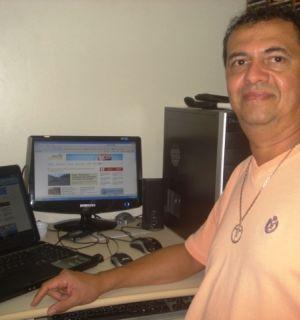 Diretor de comunicação de Coruripe, Agapito Santana, visita Penedo FM